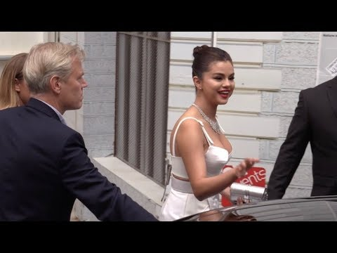 EXCLUSIVE : Selena Gomez with gorgeous dress on her way to 2019 Cannes red carpet
