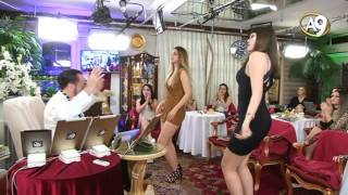 Adnan Oktar iki güzelin dansına eşlik etti