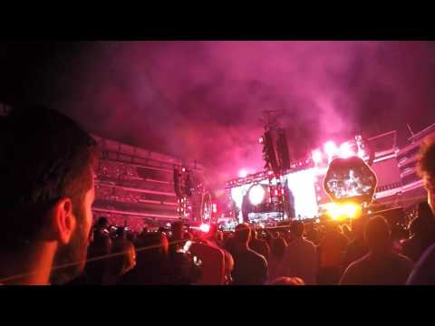 """Coldplay - """"Fix You"""" - Lincoln Financial Field, August 6, 2016"""