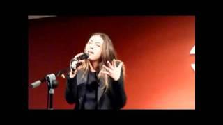 Sandra Carrasco - La calle del Olivar (Presentación en acústico de su primer disco)28-11-2011
