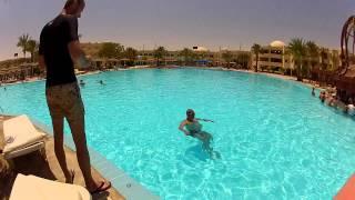 Приколы в Египте(Просто развлечения у бассейна), 2015-07-09T13:25:59.000Z)