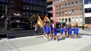 vystoupení Dolphins Cheerleaders atrium Ústí nad Labem 7 9 2013