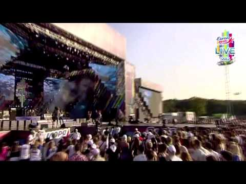 Alex Gaudino & Loony Band - What A Feeling (Europa Plus Live 2012)