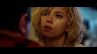 Люси Выясняет Куда Должны Отправиться Курьеры ... отрывок из фильма (Люси/Lucy)2014