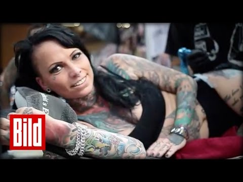 Tattoos, Nadeln, Girls auf der Convention : Das sind die Trends aus Berlin ( Dragon / hot / Design )