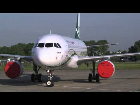 Electric taxiing - Safran & Honeywell EGTS @ Le Bourget 2013