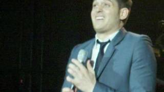 MICHAEL BUBLE - AIR STUDIOS- LONDON. DEC  8 TH 2009.   - TALKING ABOUT THE QUEEN