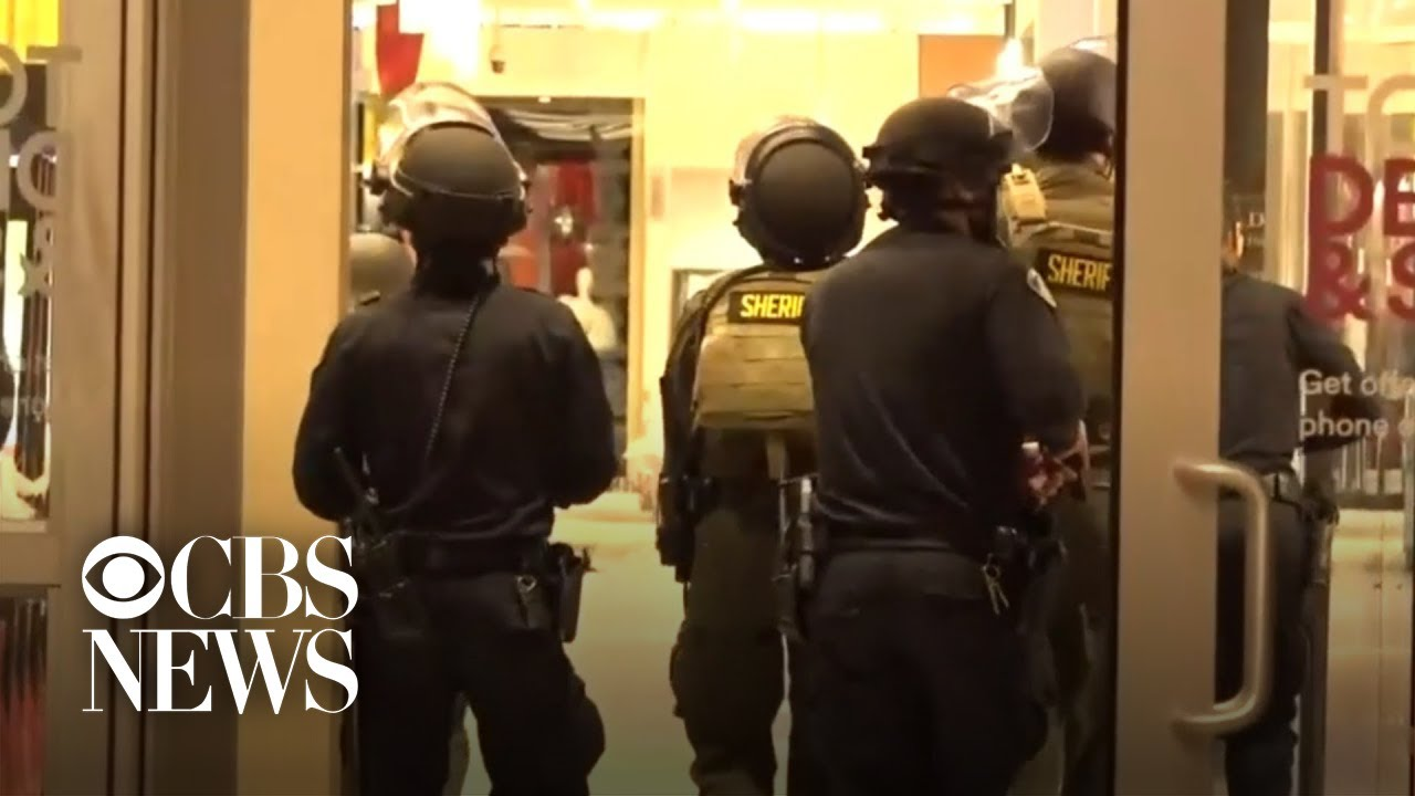 Shooting sparks chaos at Northern California mall – CBS News
