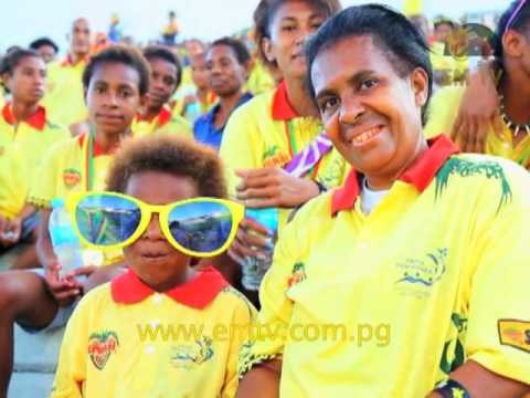 Post PNG: K15,000 Cheque to Help Team PNG