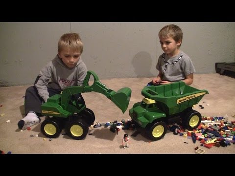 John Deere Excavator Kids Toys! HD