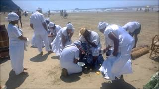 Pai Francisco Borges em trabalho espiritual na praia. (11) 3255-2005 e 3255-0963.