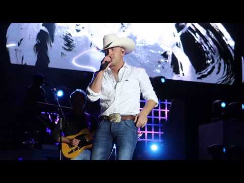 "Justin Moore Performing ""Somebody Else Will"" at Countryfest 2017!"