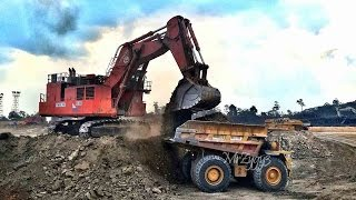 BIG Toys Excavator Hitachi EX3600 Loading CAT 785 Dump Truck