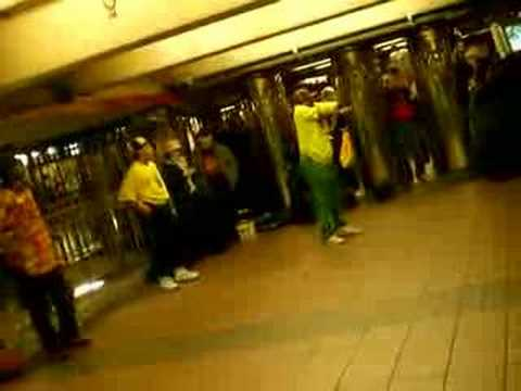 Breakeur metro Time Square New York City
