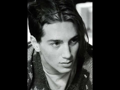 John Frusciante Biografia Parte 1 - YouTube