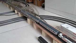 Teppichbahning Märklin H0 auf den Fliesenboden mit M Gleis Brücke