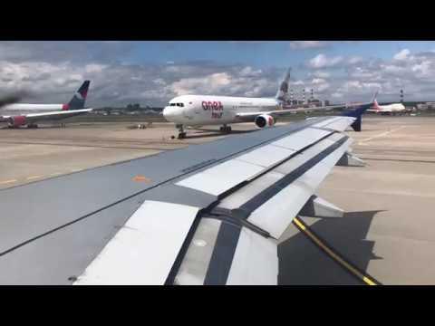 AZAL — Azerbaijan Airlines Airbus A320 lovely takeoff from Moscow Vnukovo=)))