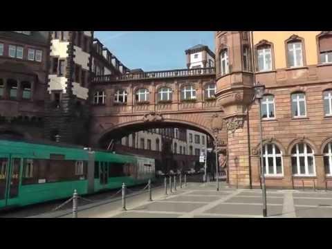 Frankfurt.   Historische Meile - Braubachstraße:  Historical Mile - Braubachstraße Paulskirche Römer