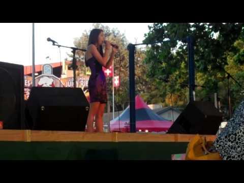 Kellie sings