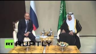 لقاء بين الرئيس الروسي فلاديمير بوتين والعاهل السعودي سلمان بن عبد العزيز آل سعود في أنطاليا