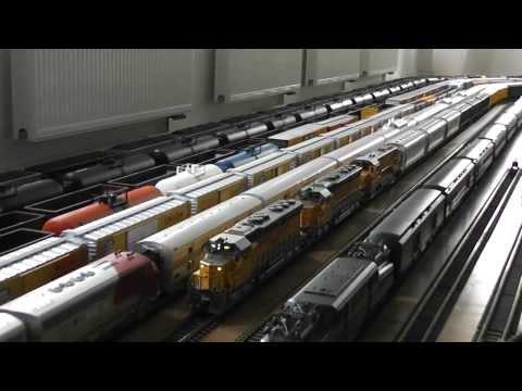 Indoor g scale UP grain train