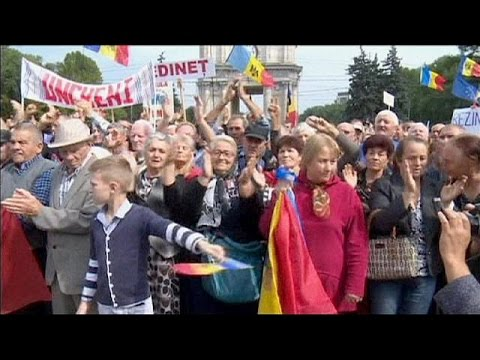 Large rally raises pressure on Moldovan government over banking scandal