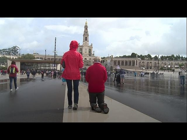 Pilgrims descend on Fatima ahead of Pope's visit