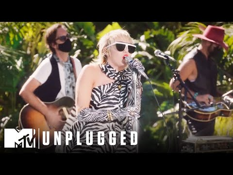 "Miley Cyrus & The Social Distancers Perform ""Gimme More"" 