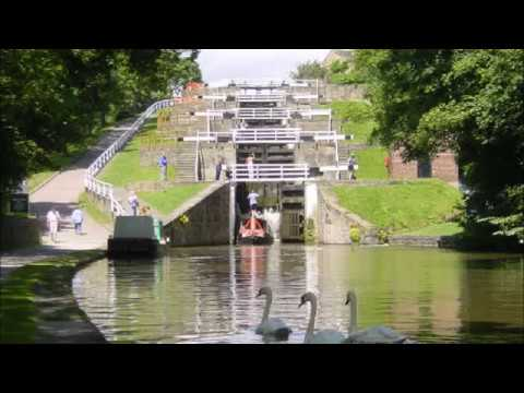 Places to see in ( Yorkshire - UK ) Bingley Five Rise Locks