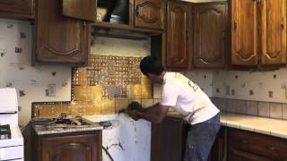 How To Install Granite Countertops On A Budget - Part 1 Removing The Old Tile(, 2013-06-01T12:28:21.000Z)