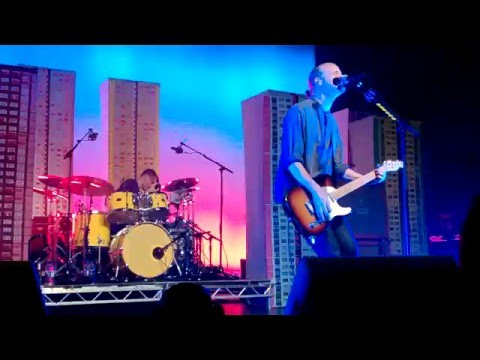 Travis - Radio Song Live at O2 Birmingham