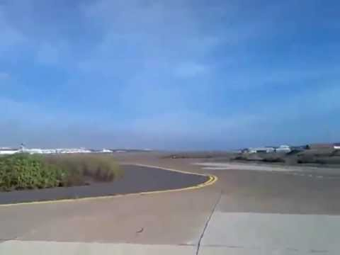 Insane F-18 Fighter Jet Low Pass