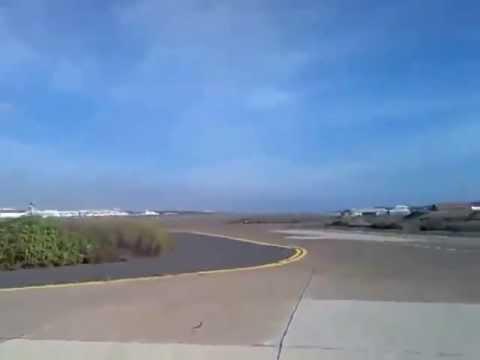 Insane F-18 Fighter Jet Low Pass