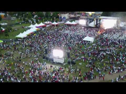 R Kelly on Jumbotron @Roy Wilkins Park 6/25