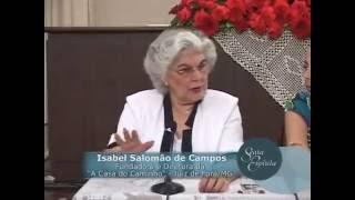 A médium Isabel Salomão de Campos responde a várias perguntas sobre espiritismo