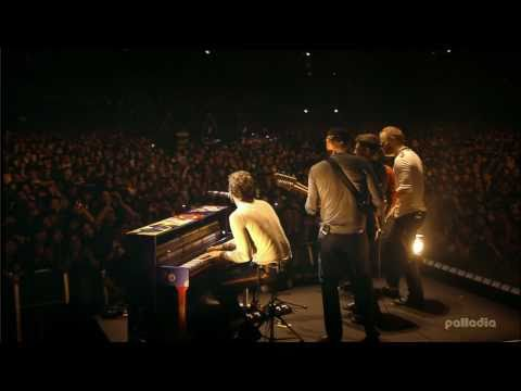 Coldplay Live from Japan (HD) - God Put a Smile Upon Your Face / Talk