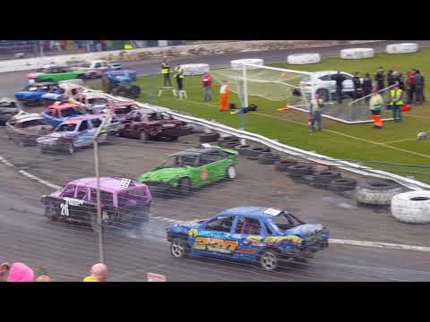 Cowdenbeath Racewall bangers world cup race 1 April 14th 2018