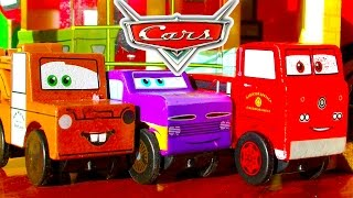 Disney Cars Radiator Springs Race Track & Micro Chargers Demolition Derby Pt1
