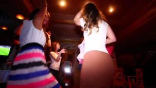 Как провести день рождения(подробнее на сайте: mbdj.ru Проведение праздников и вечеринок в городе Санкт-Петербурге Музыка: Jay-Z & Kanye West..., 2013-06-03T20:17:53.000Z)