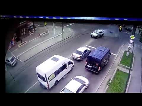 Страшное ДТП с мотоциклом в центре Читы 11.06.2019
