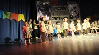 Olha as Crianças Dançando música  xaxado fórro