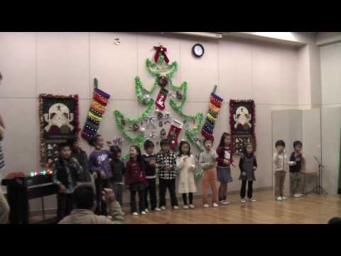 Japanese kids singing Numbah One Day of Christmas.mov