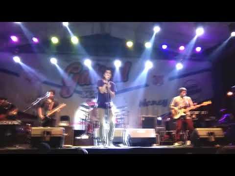 Konser Sheila On 7 ARTOS Mall Magelang Lapang Dada