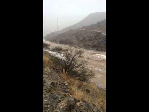 أمطار وسيول يوم الجمعة ٢٣/ ٦ /١٤٣٧هـ وادي بدوة محافظة النماص.