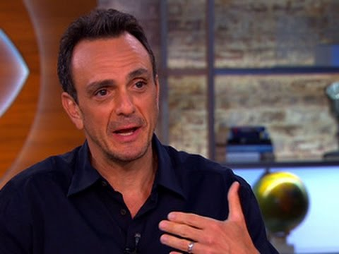 """Actor Hank Azaria talks career and new dramatic role in """"Ray Donovan"""""""