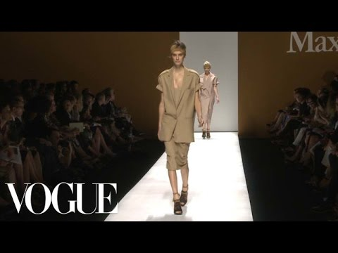 MaxMara Ready to Wear 2013 Vogue Fashion Week Runway Show