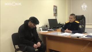 Смотреть видео Опубликовано видео допроса мужчины, захватившего самолет Сургут – Москва онлайн