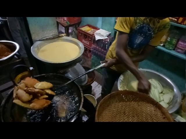 Begun and potatoi ramadan top famouse recipe for iftar and snaks begun and potatoi ramadan top famouse recipe for iftar and snaks bangladesh amazing street food forumfinder Images