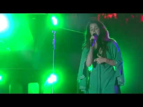 Lana del Rey sings Gods and Monsters while smoking at Vida Festival HD