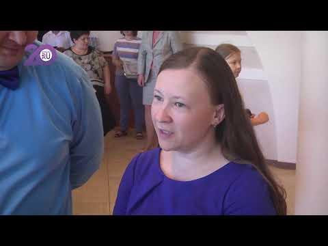 Вадим Шумков накормил ребятишек из многодетных семей мороженым